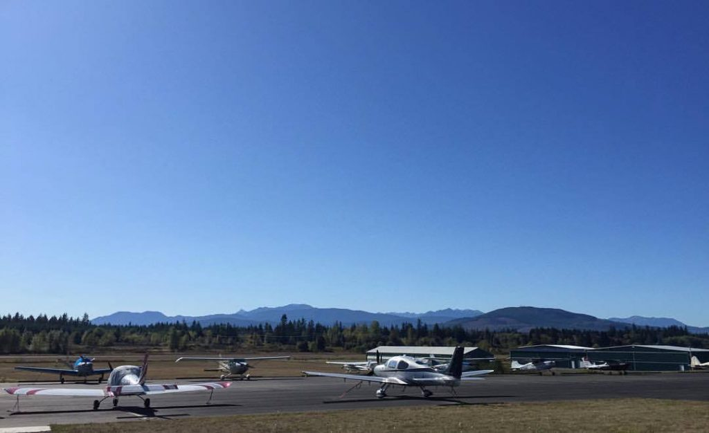 Mountains and planes seen from Jefferson County International Airport