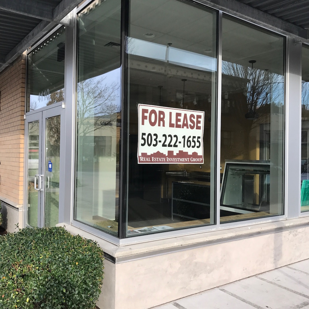 for-lease-small-section-hollywood-apartments-restaurant-portland-oregon