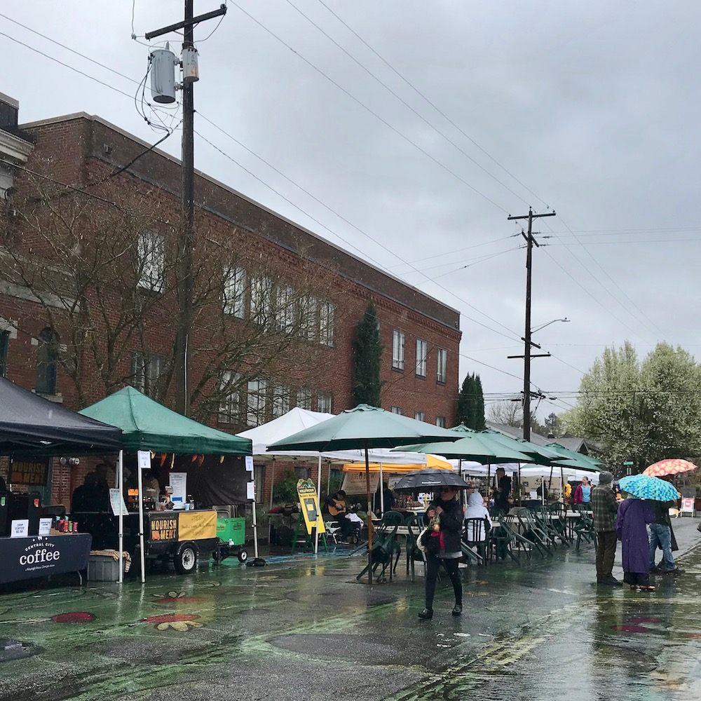 market-scene-hollywood-farmers-market-portland-oregon