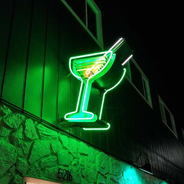 lift-off-lounge-neon-portland-oregon