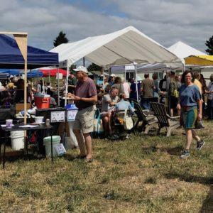 more-crowds-rocky-butte-farmers-market-portland-oregon